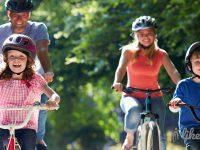 Lust auf einen Mehrgenerationenausflug mit dem Rad? E-Bikes machen`s möglich.